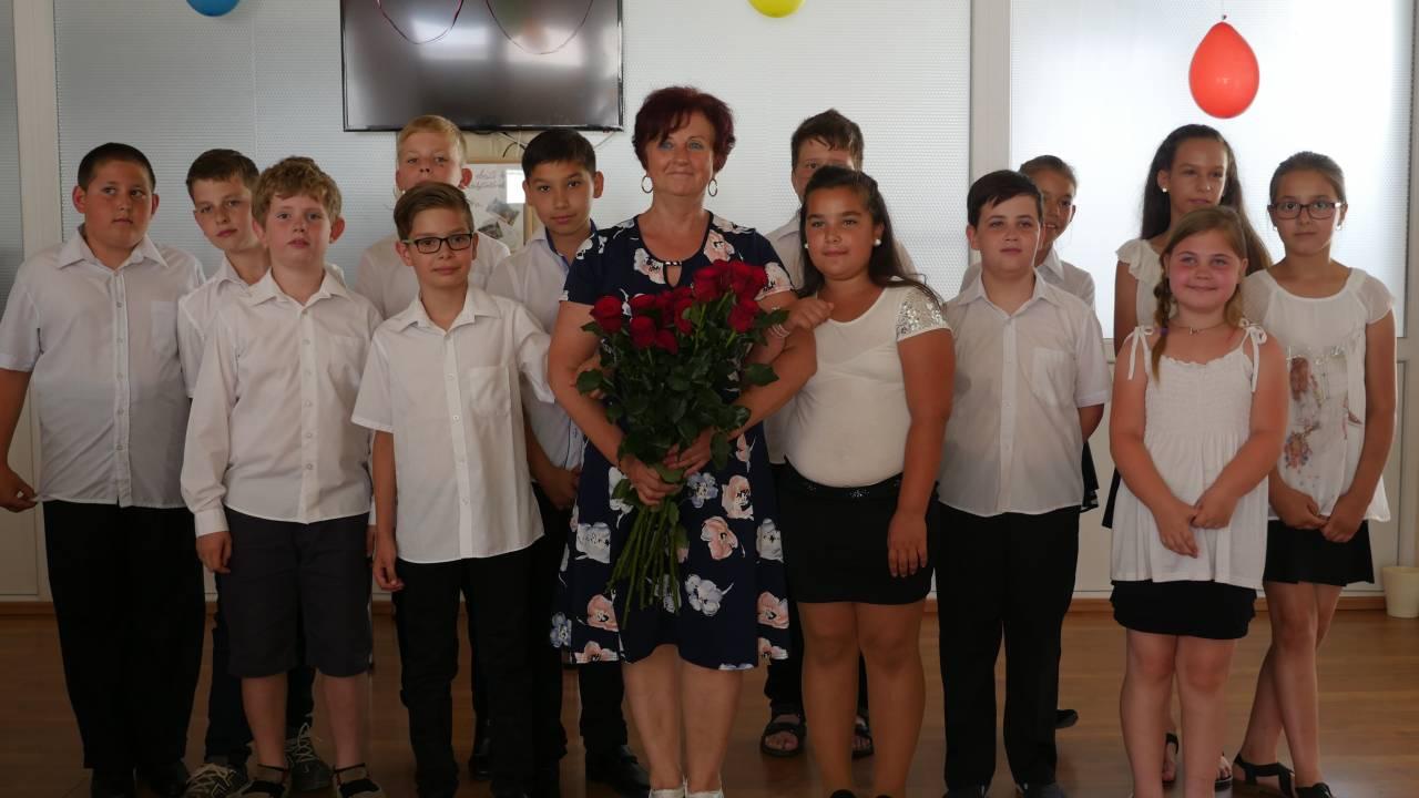 Diákjai búcsúztak a nyugdíjba vonult pedagógustól