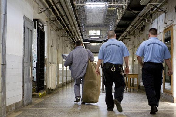 Kutyából nem lesz szalonna – Visszakerülhet a börtönbe a feltételesen szabadlábon lévő életfogytos