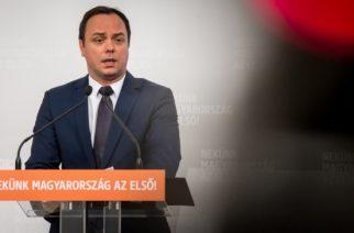 Fidesz: megdöbbentő és elfogadhatatlan, hogy az ellenzék nem szavazta meg az ápolási díj emelését