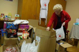 Adományokat gyűjtött a Vöröskereszt