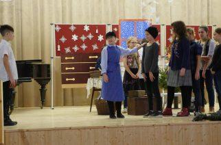 Karácsonyi műsorral várták az ünnepeket a telekis diákok