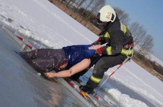 A jégről mentést gyakorolták