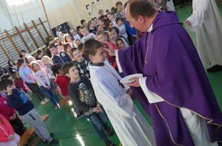 Hamvazószerda a katolikus iskolában
